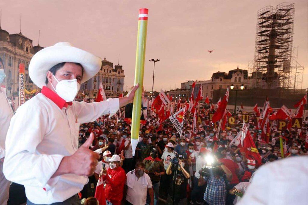 Castillo dice que respetará la Constitución hasta que el pueblo lo decida