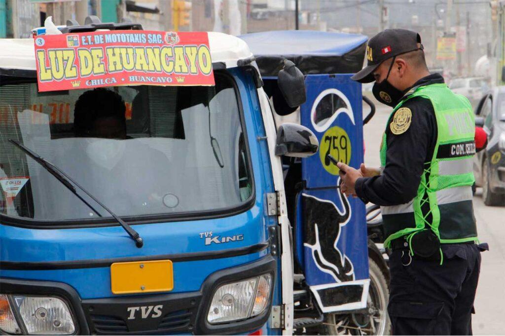 Chilca: 22 empresas de mototaxis con permisos para circular (VIDEO)