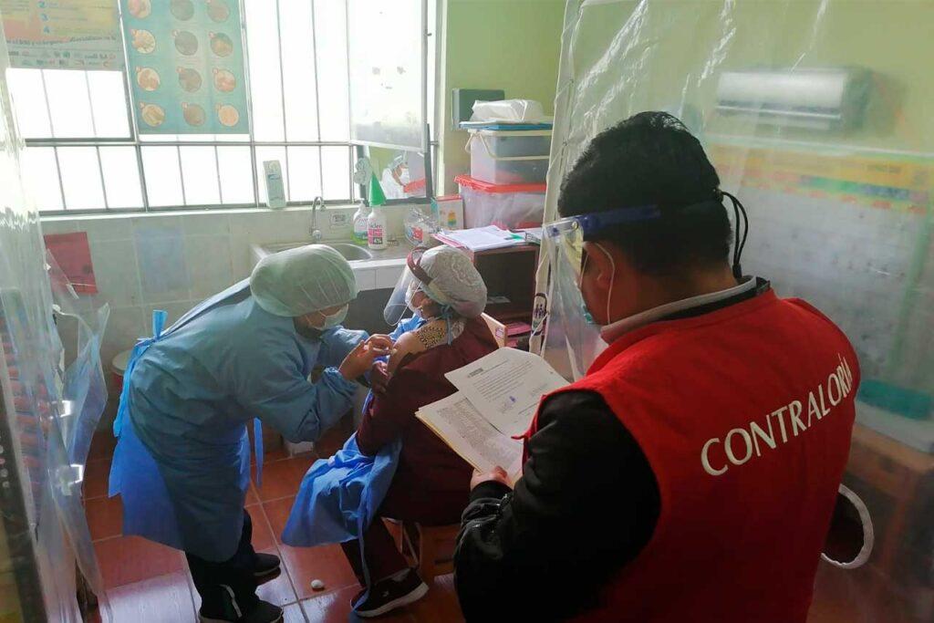 Contraloría detecta más de 500 casos con problema de vacunación contra el COVID-19