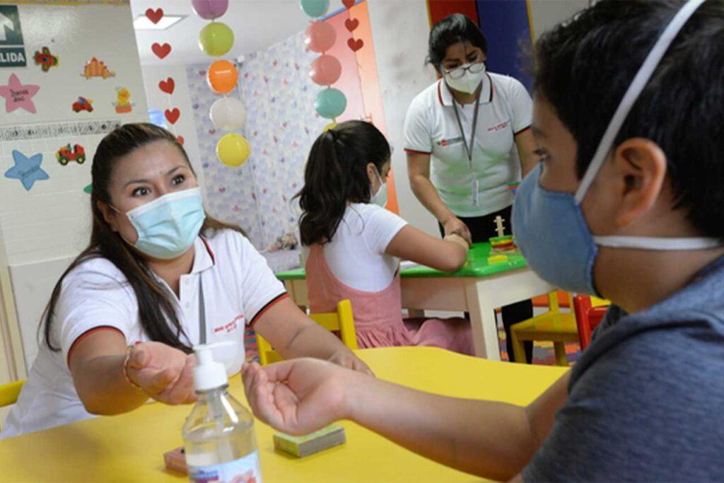 MIMP: 300 menores son primero beneficiarios de la pensión de orfandad por COVID-19