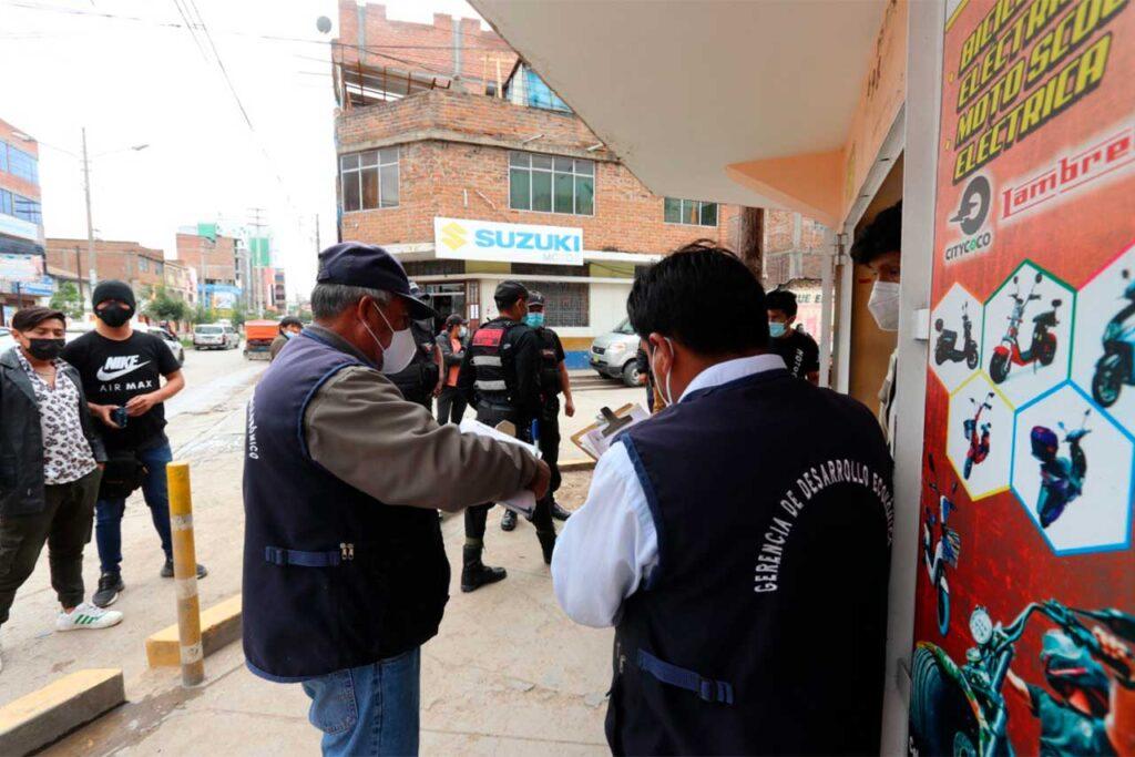 Municipalidad Distrital de El Tambo clausura talleres de reparación de motocicletas (VIDEO)
