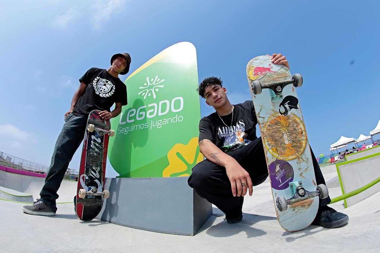 Skaters entrenan con máximo rigor en el único skatepark peruano