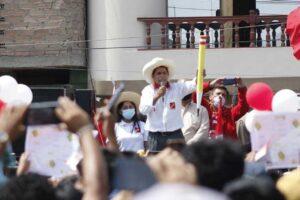 Castillo propone terminar proceso de inmunización contra COVID-19 el 31 de diciembre
