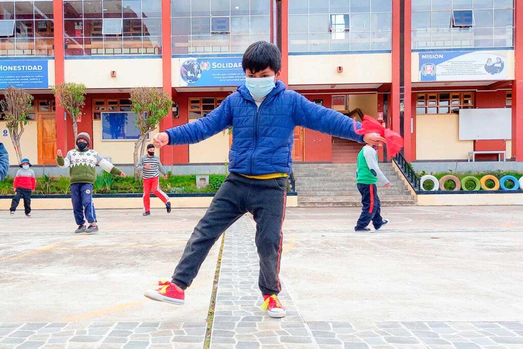 Surgen nuevos talentos de la danza de tijeras huancavelicana