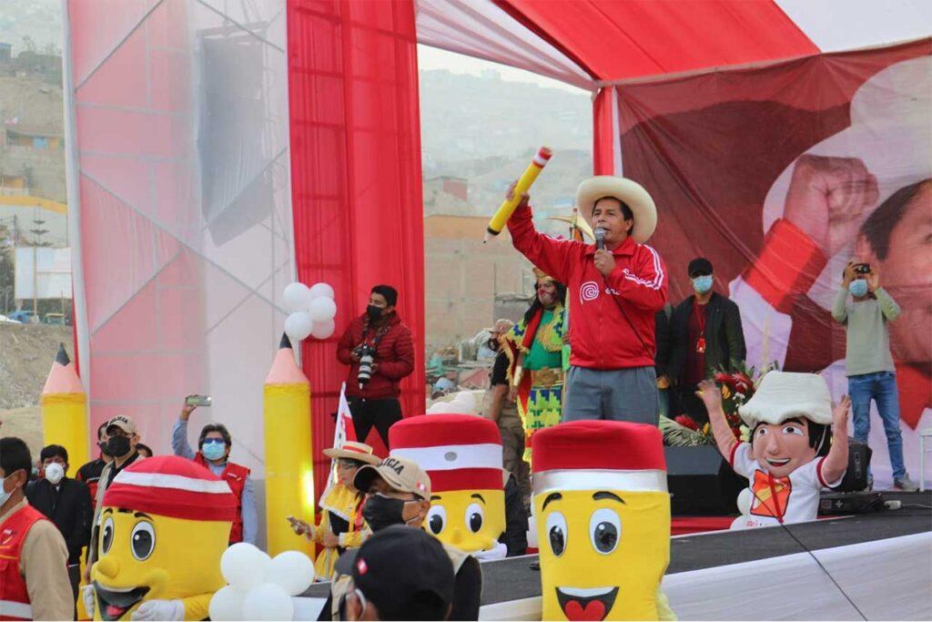 Pedro Castillo promete vacunas de calidad para la población