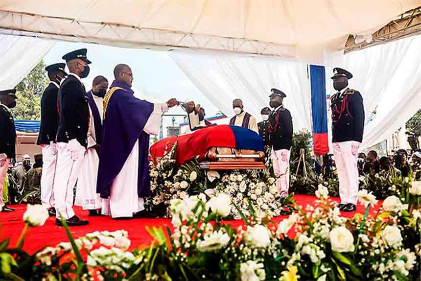 Protestas durante funeral de Moise