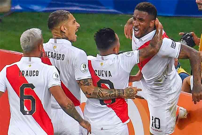 Farfán, Zambrano y Ormeño en la lista de convocados para enfrentar a Chile, Bolivia y Argentina